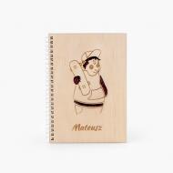 Notes drewniany Miś skateboarder, 15x21 cm