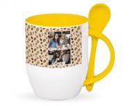 Kubek z łyżeczką, Kawa
